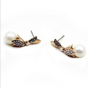 Fashion gold pearls crystal earrings